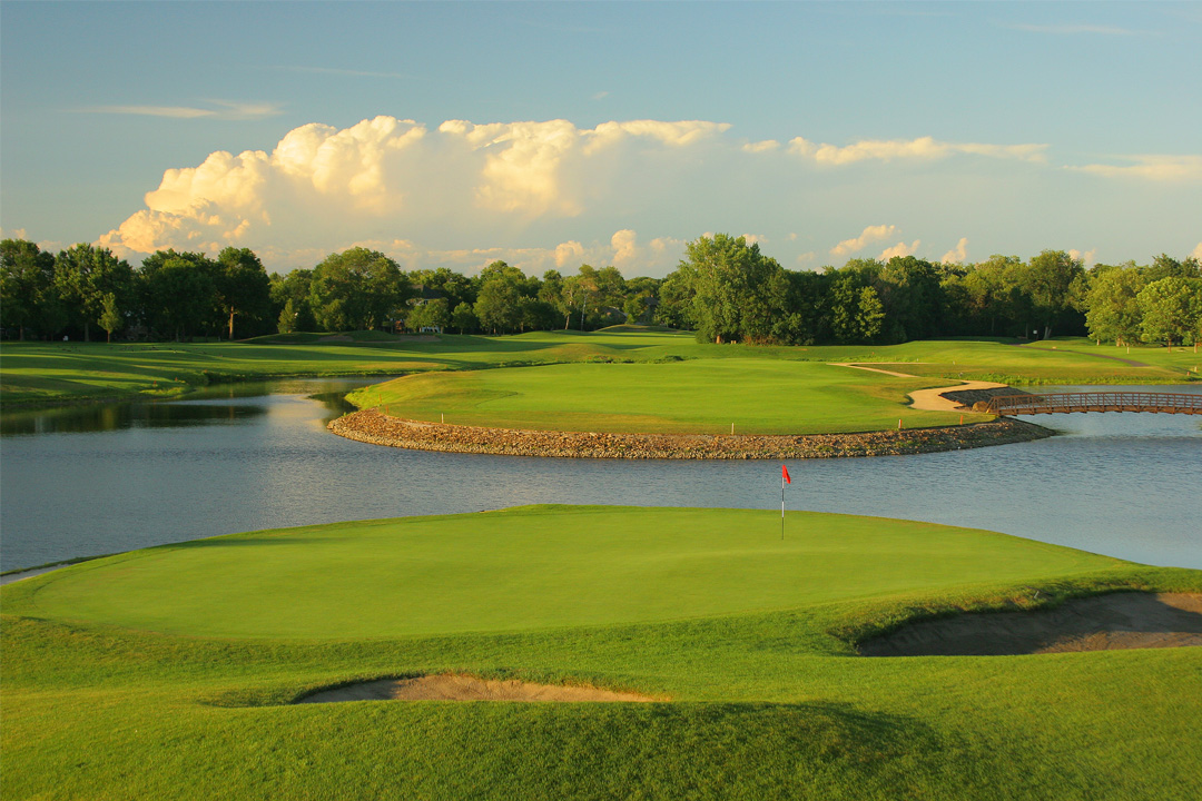 famous island green at Edinburgh USA