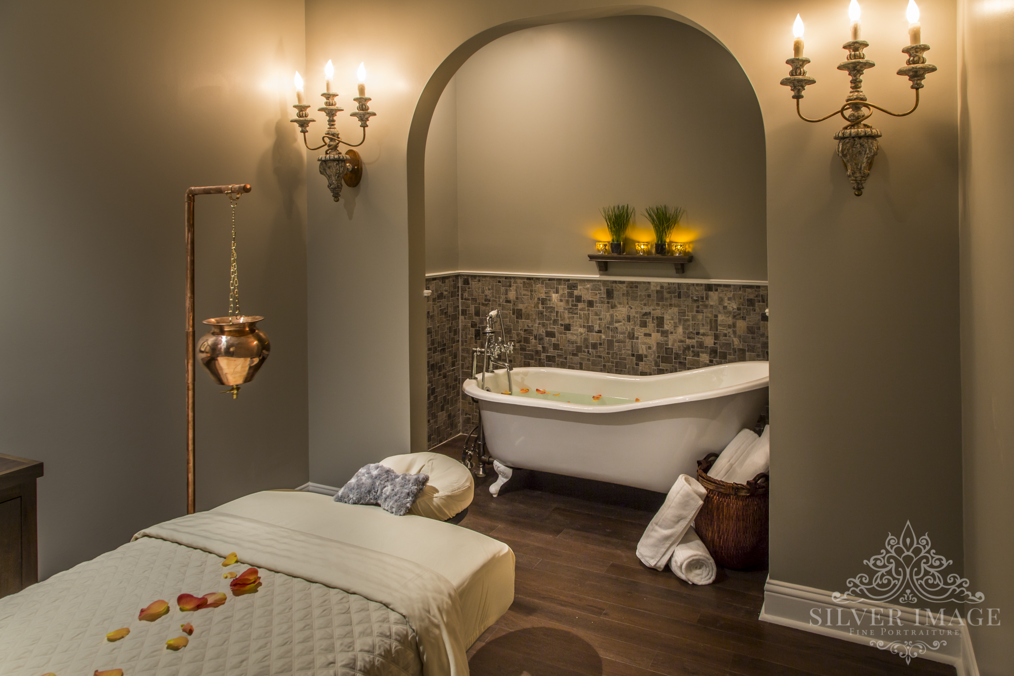 spa tub and massage table