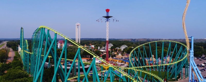Amusement park in Minnesota with more than 75 rides, including eight roller coasters, a large water park and family programming.